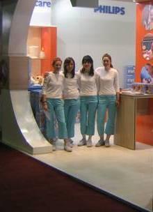 fuar hostes kıyafetleri